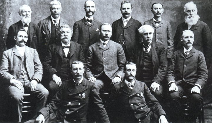 Some members of the jury and two policemen who arrested Czolgosz