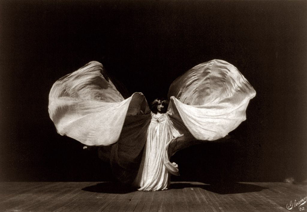 Frederick Glasier's iconic photograph of Loie Fuller