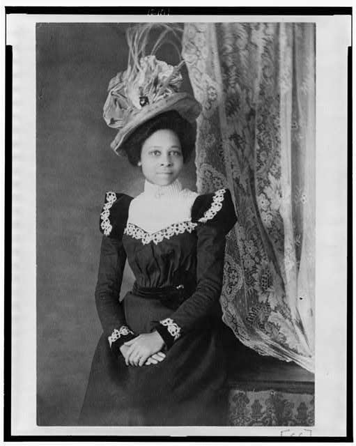Young woman with a large hat and unusual sleeves circa 1900 - reproduction-number-lc-usz62-121111-bw-film-copy-neg.jpg