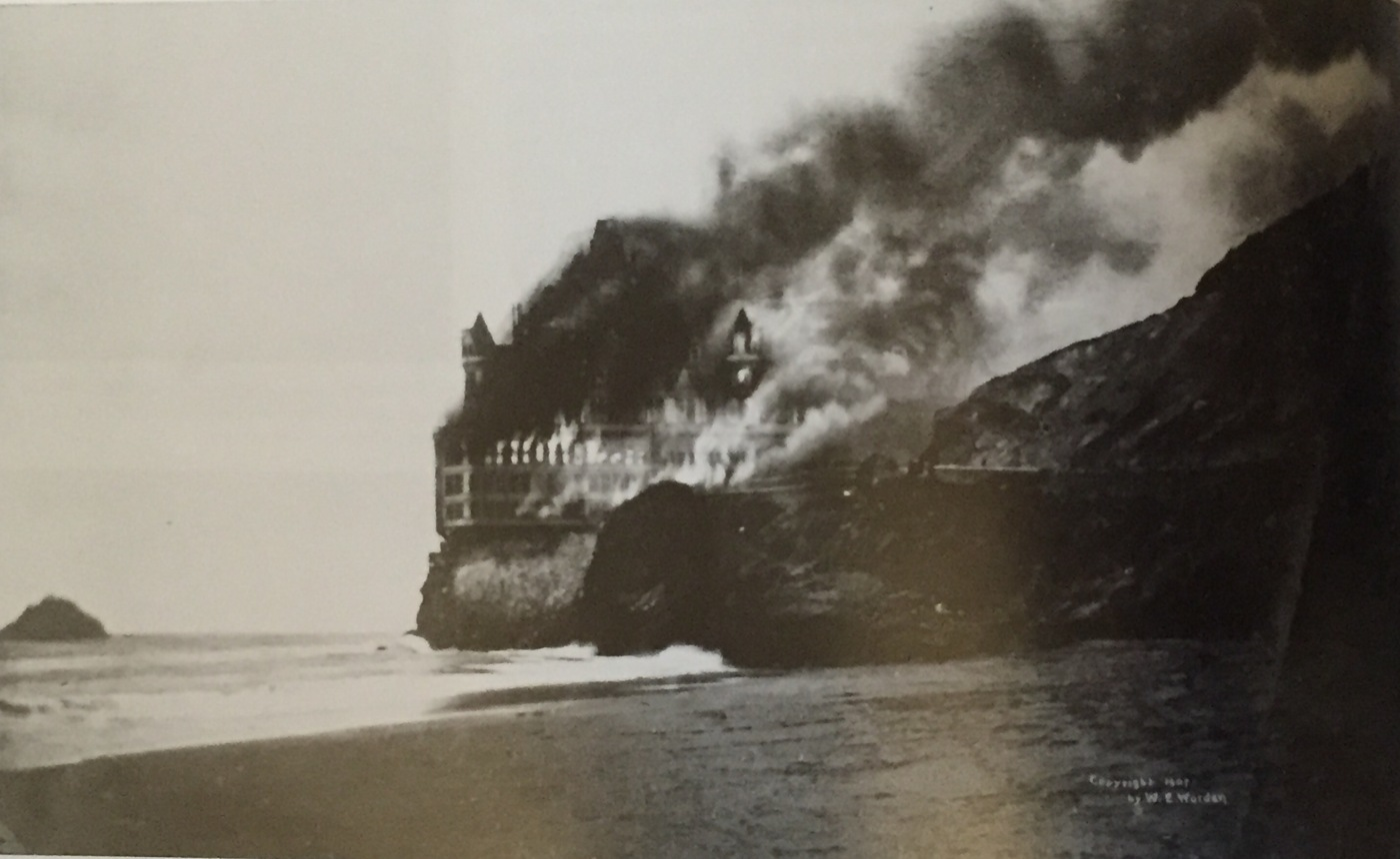 Cliff House on fire, 1907